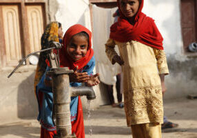 800px-Providing_clean_water_and_sanitation_(5351673235)